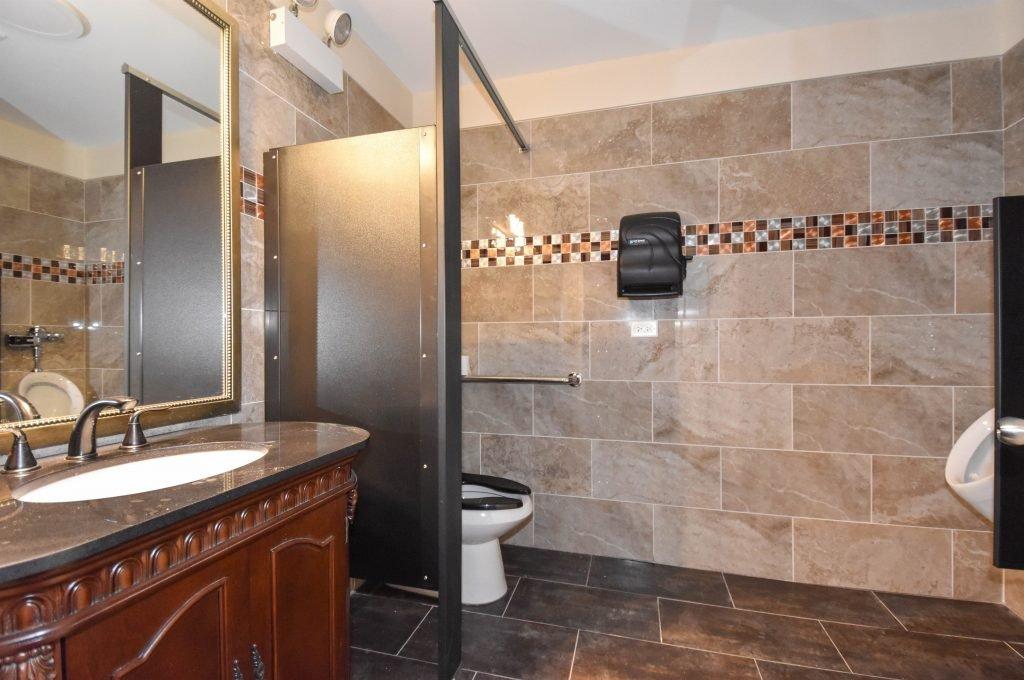013 Mens-Bathroom-1024x680