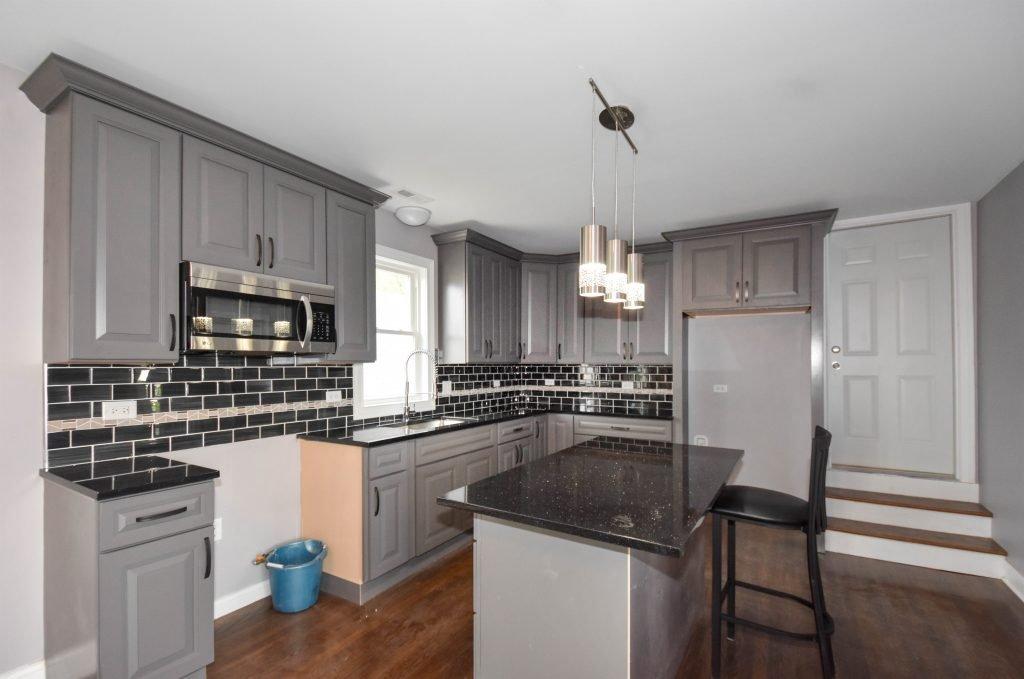 015 Apt-Kitchen-1024x679