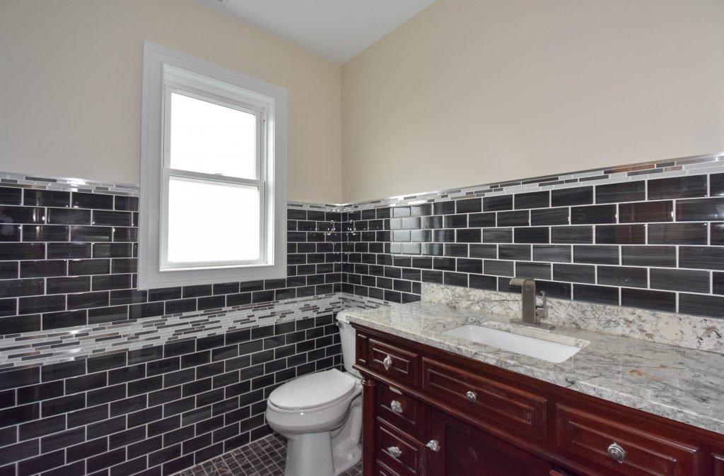 021 Apt-Bathroom-1024x674