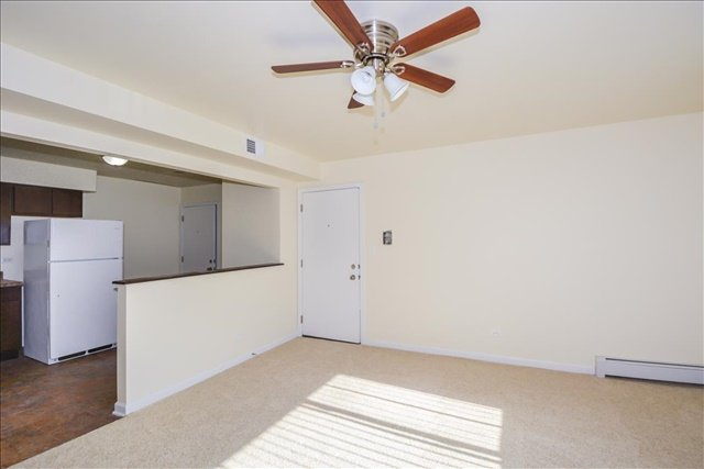 27-West 3 Livingroom