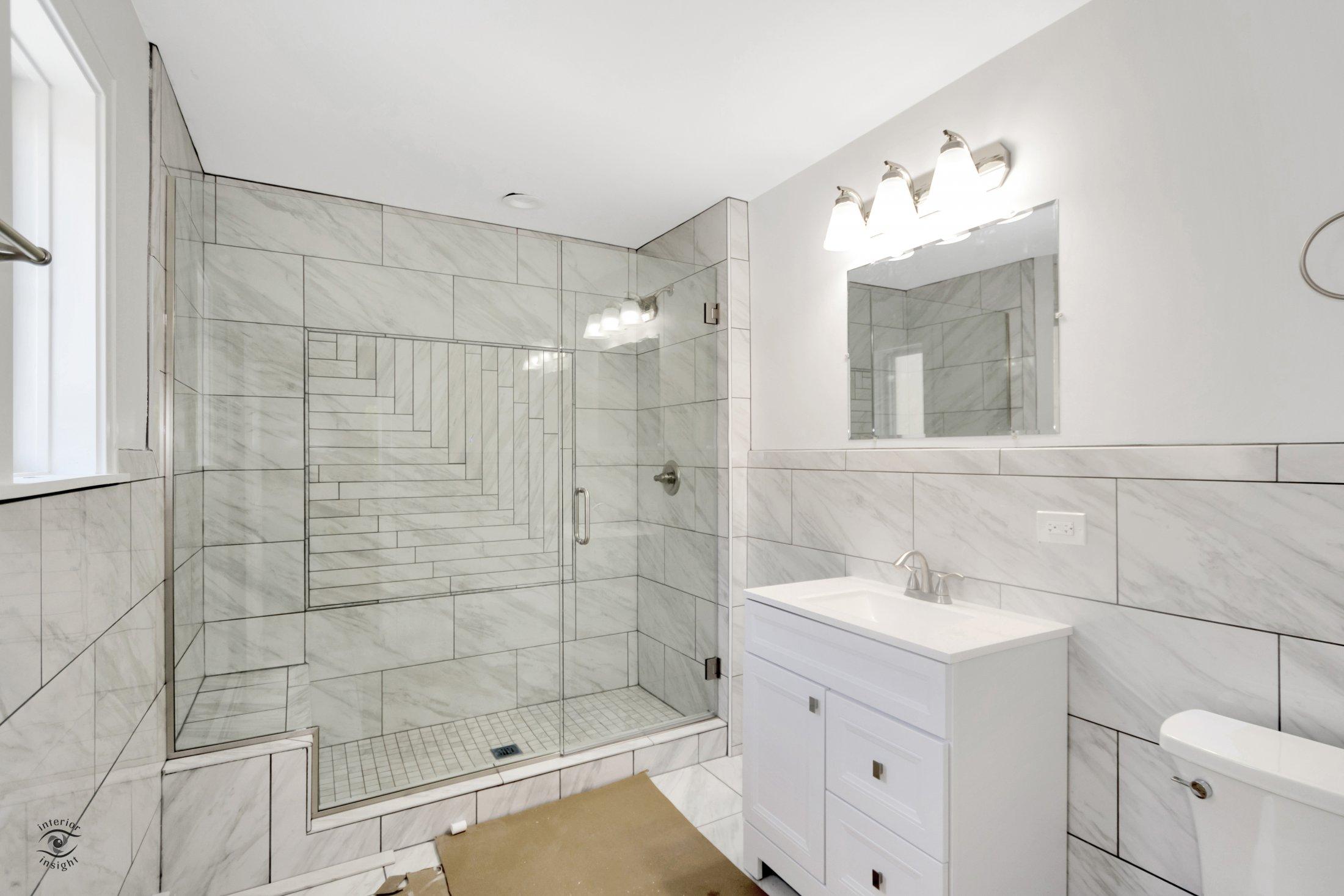 Unit 1 Master Bathroom (1)