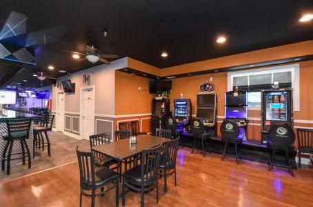 008 Bar-Seating-1024x677