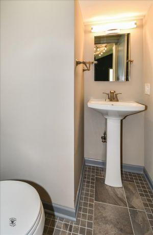 20-Powder Bathroom